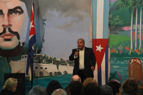 Representante Comercial en acto 26 de Julio en Argentina